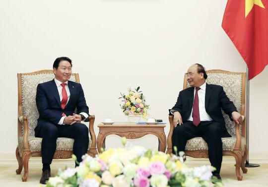최태원 SK 회장, 베트남 총리 만나 `민영화·환경` 등 협력 논의